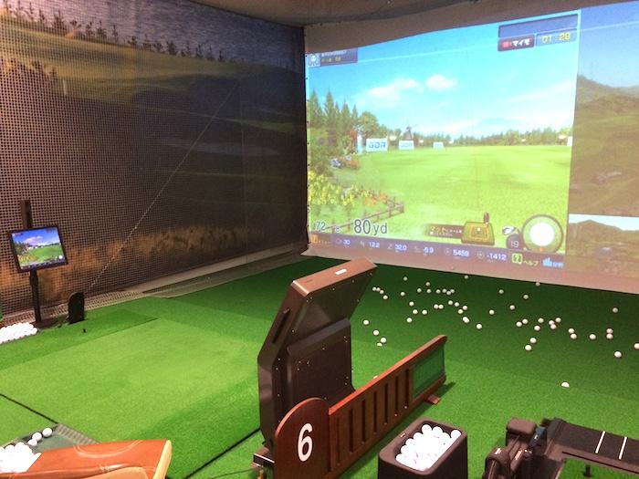 インドアゴルフ練習場1