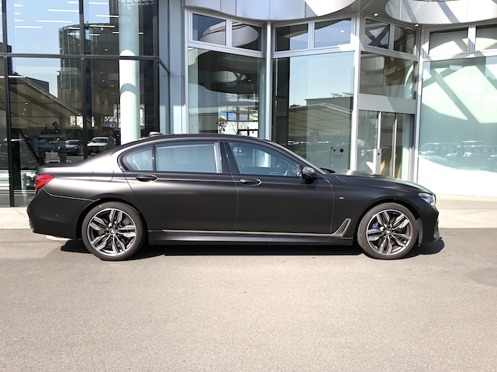 BMW M760Li-2